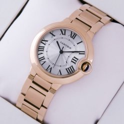 Ballon Bleu de Cartier moyen réplique de montre à quartz suisse 18 kt or rose